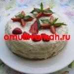 Торт с клубникой  в мультиварке REDMOND RMC-M4524 (рецепт с фото)